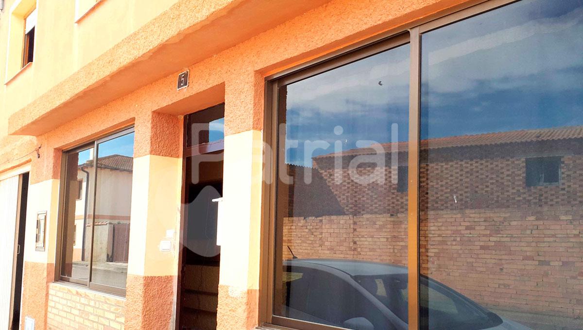 Casa de dos plantas en venta en Lalueza