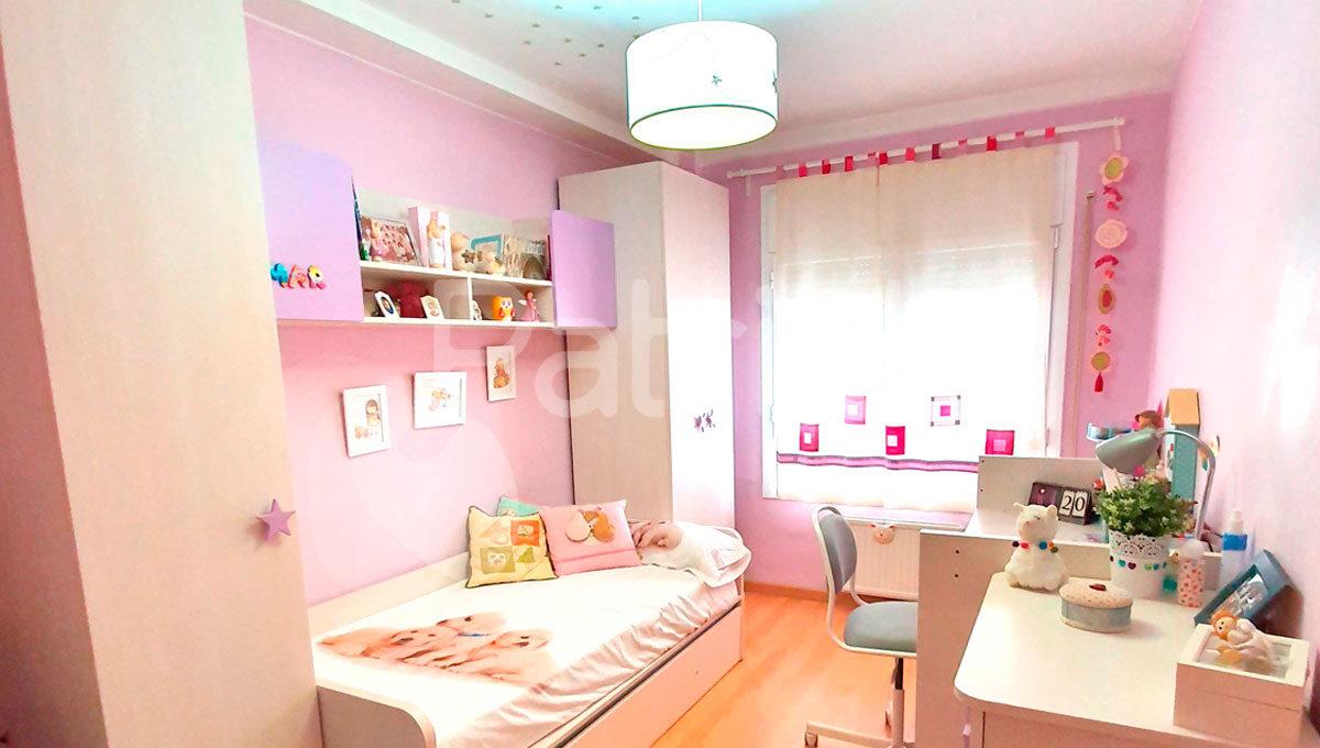 piso-en-venta-en-sariñena-dormitorio-infantil