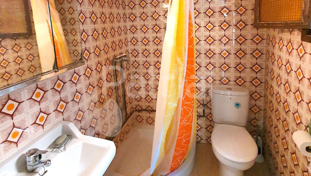 baño-casa-lanaja-en-venta