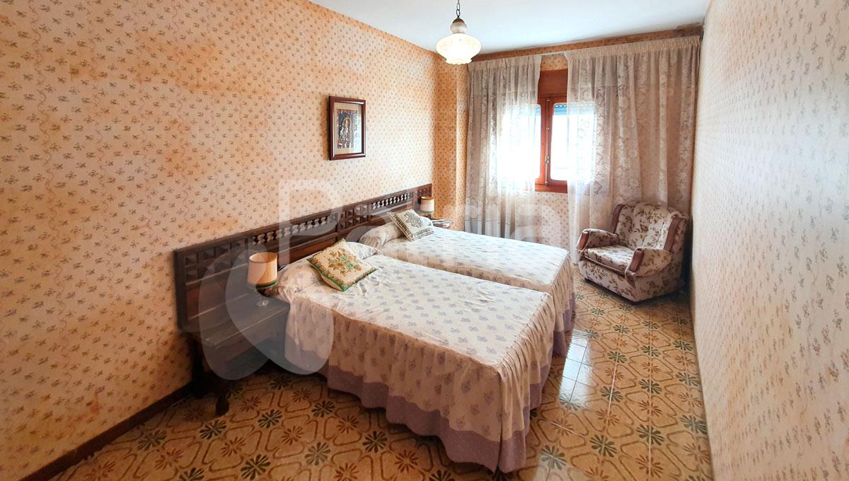 Casa en venta en el pueblo de Lanaja, Huesca