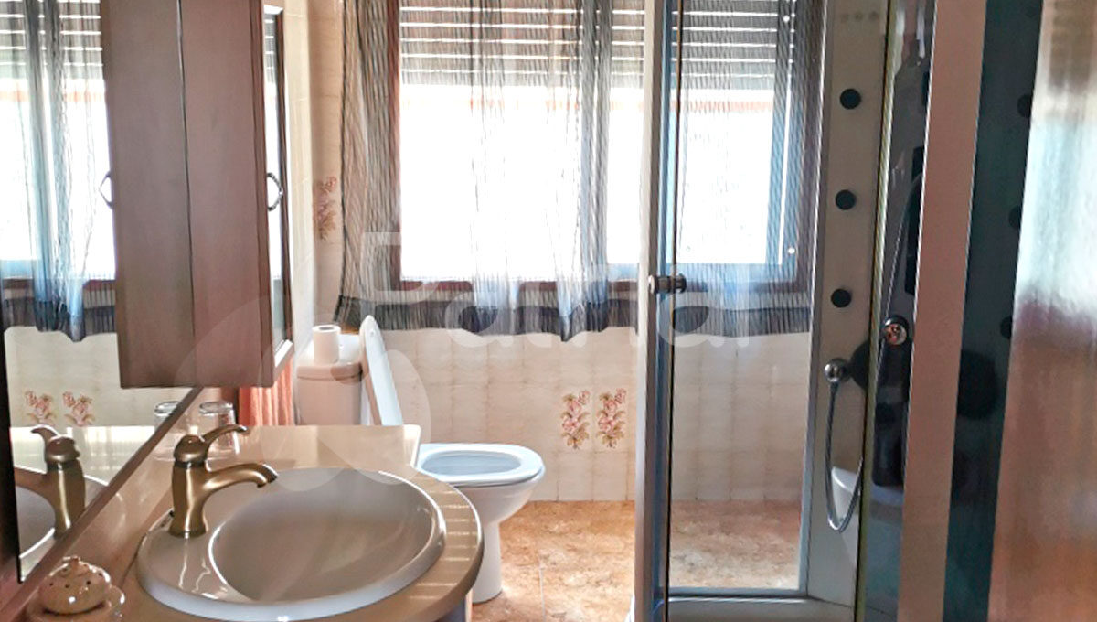 baño-reformado-casa-venta-lanaja