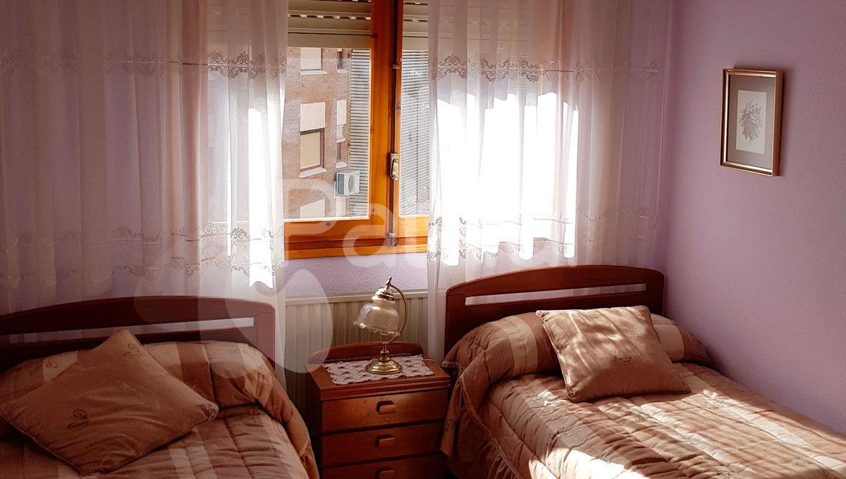 dormitorio-en-piso-venta-monegros