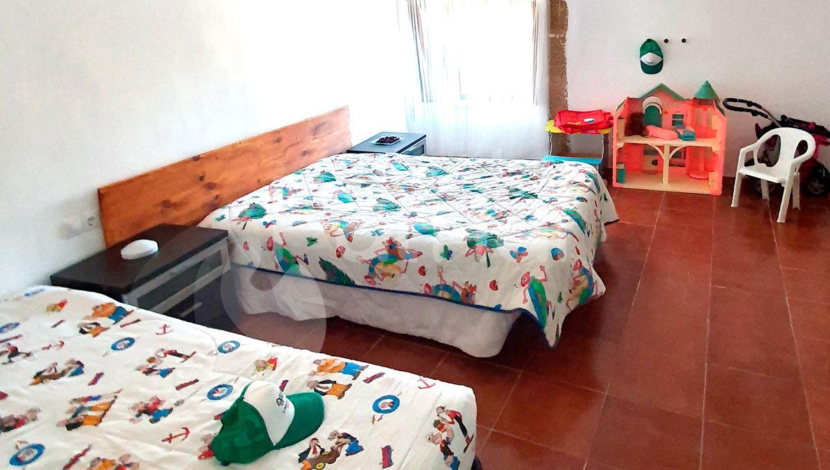 dormitorio-infantil-casa-el-pueblo-de-monegros