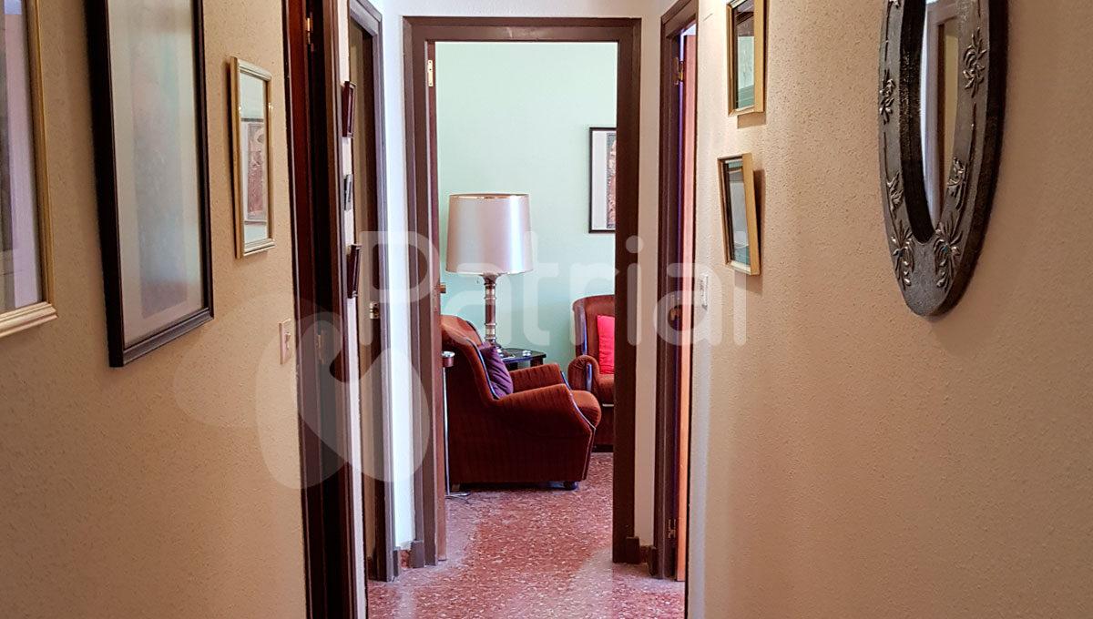 pasillo-amplio-piso-en-sariñena