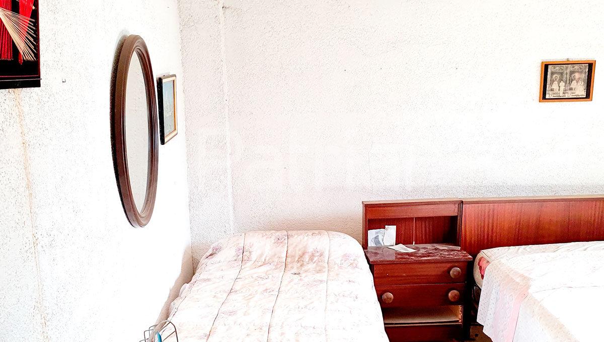 dormitorio-casa-para-reformar-en-monegros